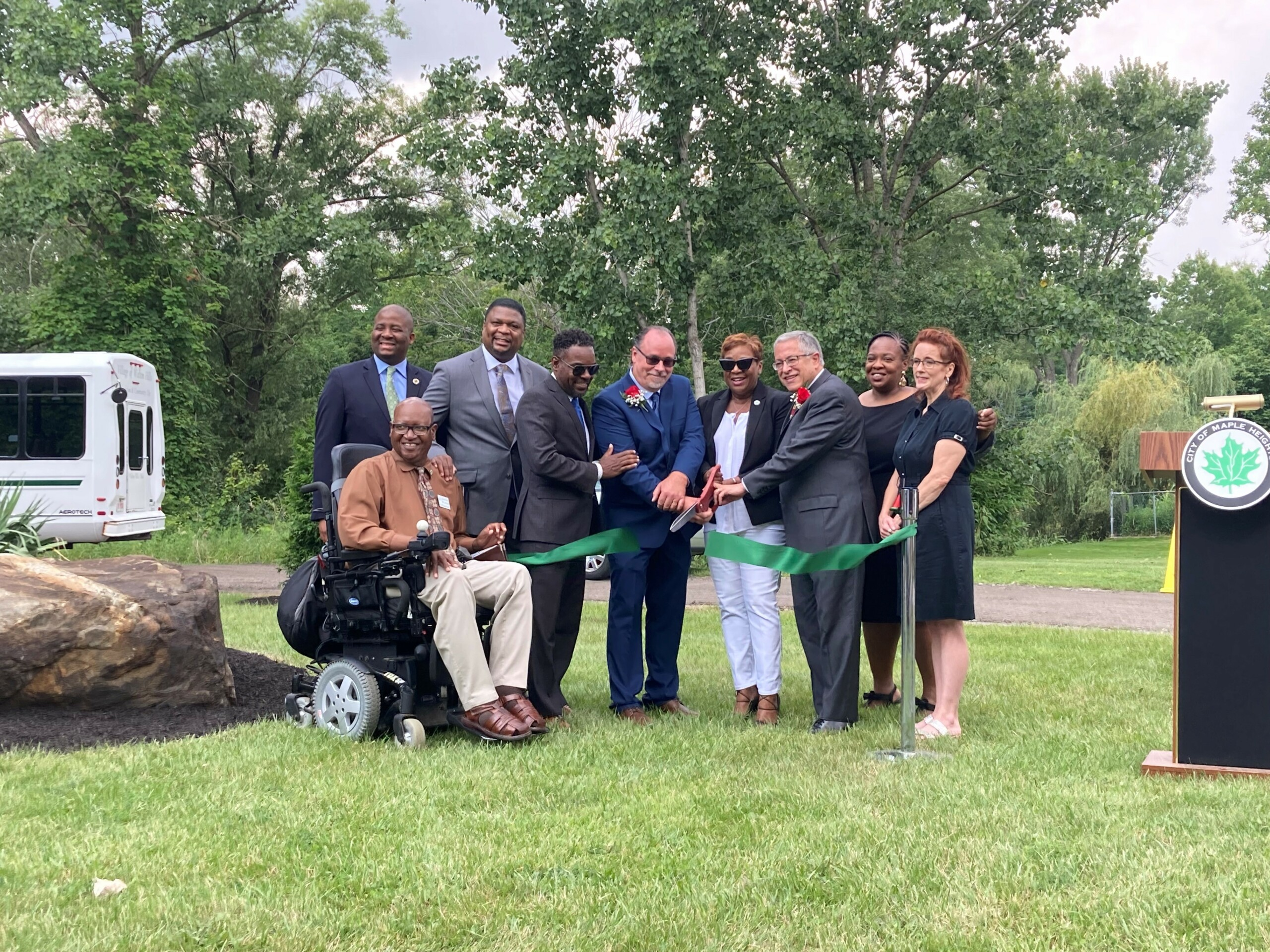 Mayor Blackwell of Maple Heights and Mayor Kolograf of Walton Hills along with other elected officials cut ribbon on July 30, 2021.